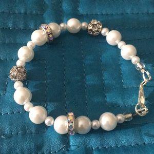 Jewelry - White faux pearl rhinestone bracelet